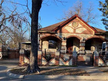 1008 W Cantey Street, Fort Worth, TX, 76110,