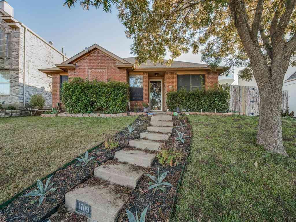 1709 Hillcrest Court, Balch Springs, TX, 75180,