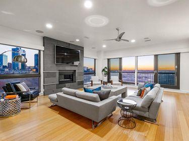 Sunny Living Room, 501 Samuels Avenue #630, Fort Worth, TX, 76102,