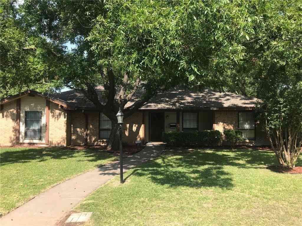 3800 Delmas Drive, Benbrook, TX, 76116,