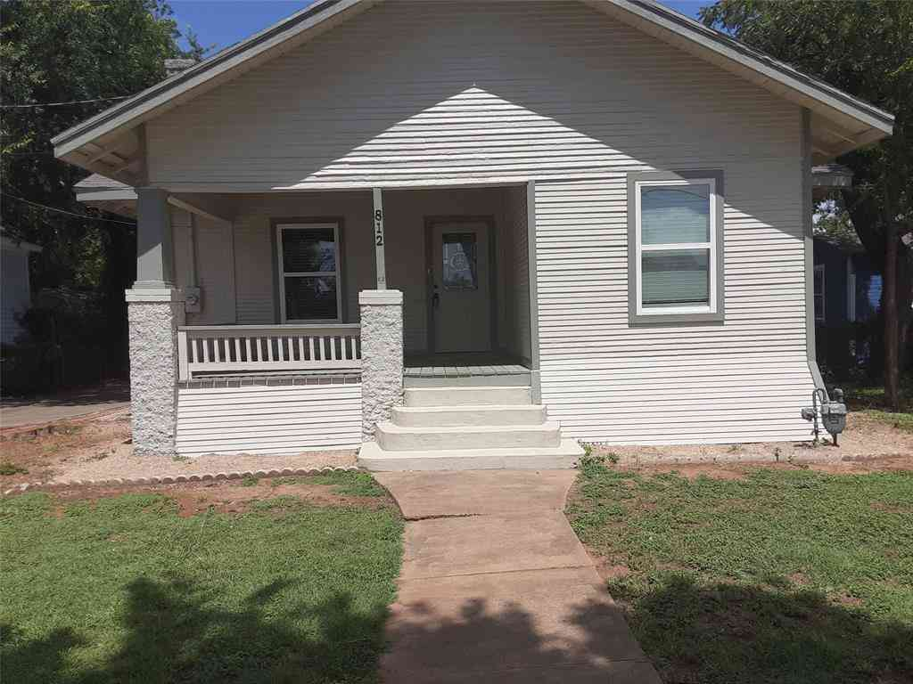 812 N Anglin Street, Cleburne, TX, 76031,