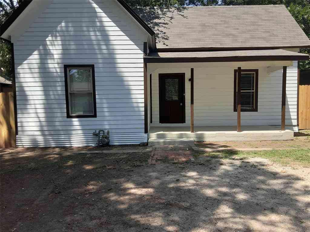 729 N Wilhite Street, Cleburne, TX, 76031,