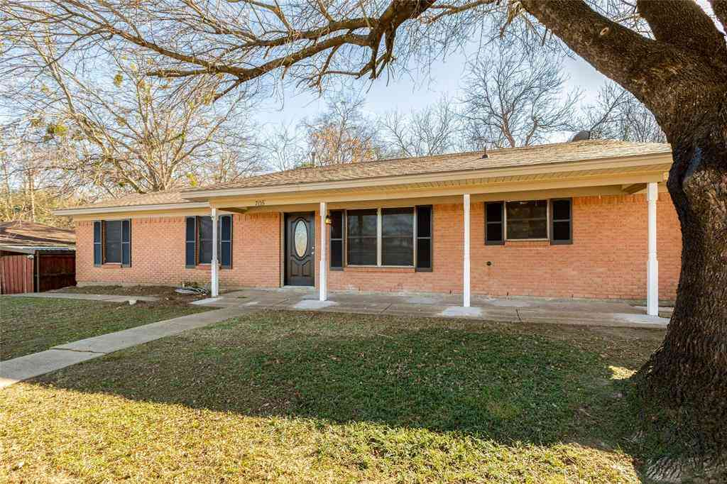 705 Ed Hall Drive, Kaufman, TX, 75142,