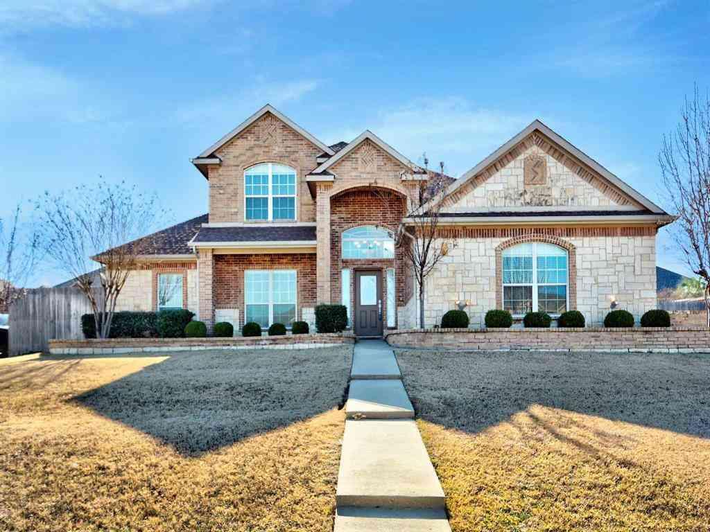 1048 Estates Drive, Kennedale, TX, 76060,