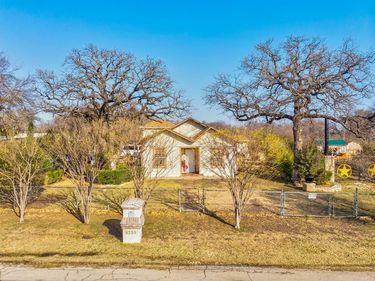 4233 Avenue J, Fort Worth, TX, 76105,