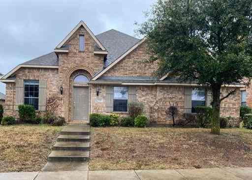 705 Paisley Lane, Red Oak, TX, 75154,