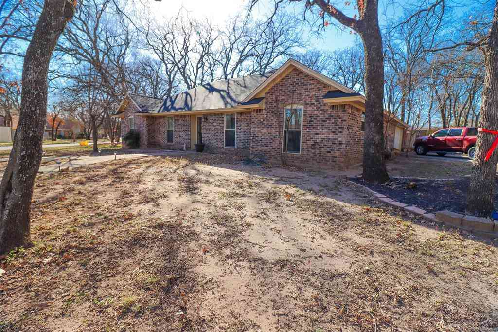 1009 Lake Ridge Drive, Azle, TX, 76020,