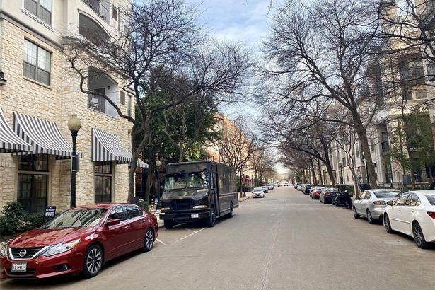 2848 Woodside Street #3C