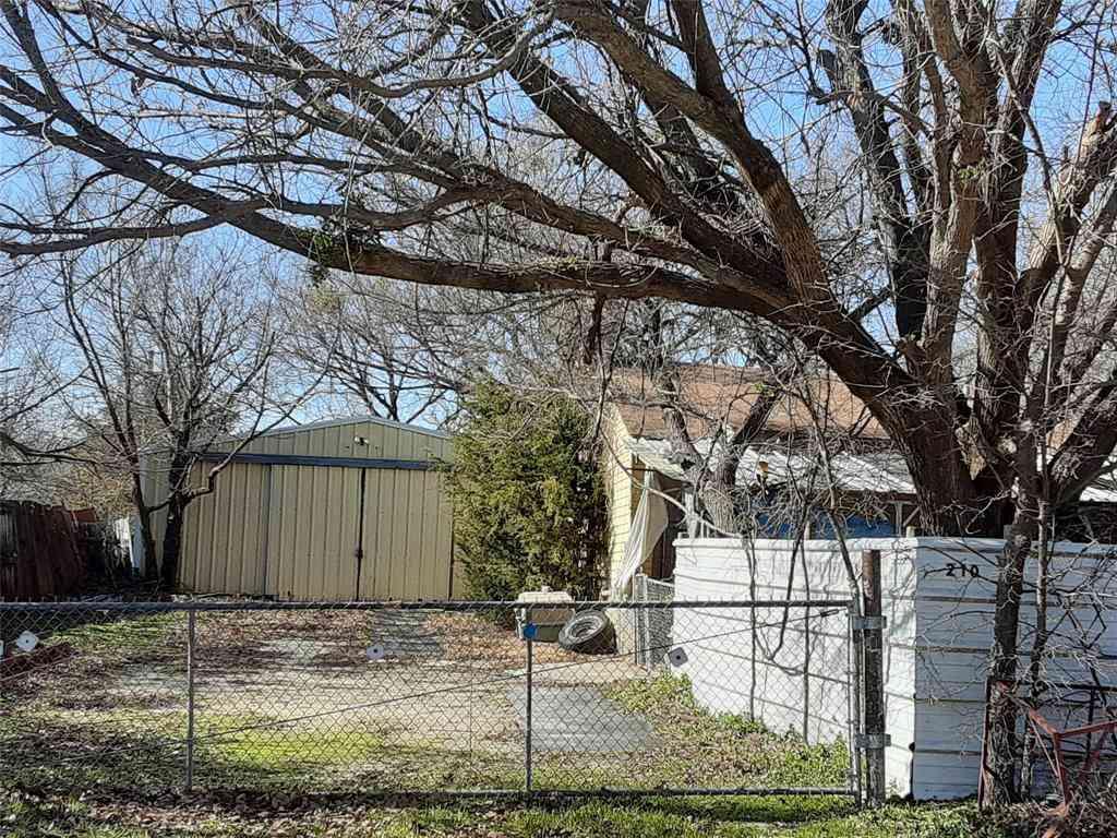 210 Walnut Street, Chico, TX, 76431,