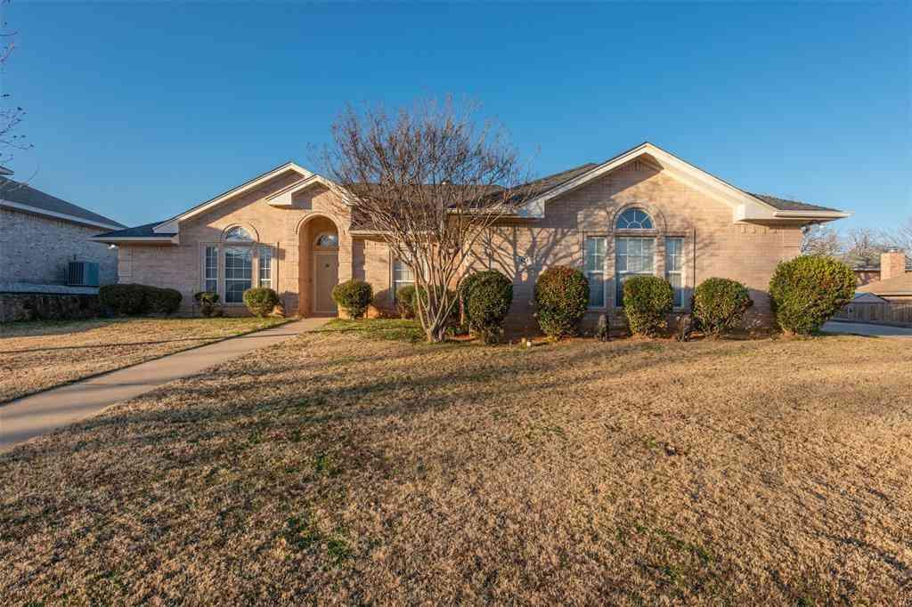 1247 Elmbrook Drive, Kennedale, TX, 76060,