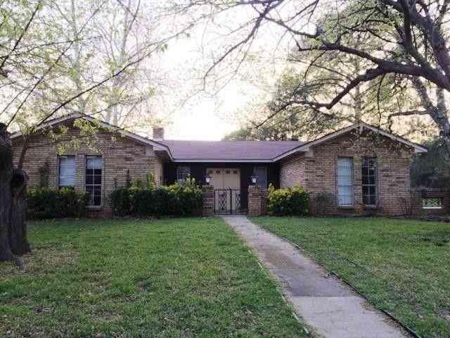 110 Oakridge Circle, Lewisville, TX, 75057,