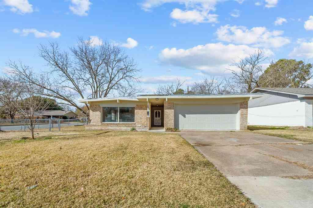 319 Walnut Street, Terrell, TX, 75160,