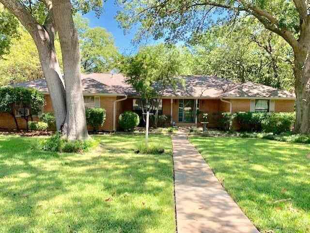 315 Azalea Drive, Grapevine, TX, 76051,