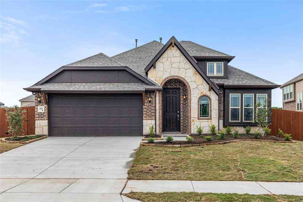 3816 Noblewood Drive, Heartland, TX, 75126,