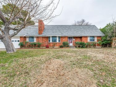 701 Clebud Drive, Euless, TX, 76040,