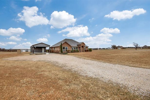 224 County Road 3170