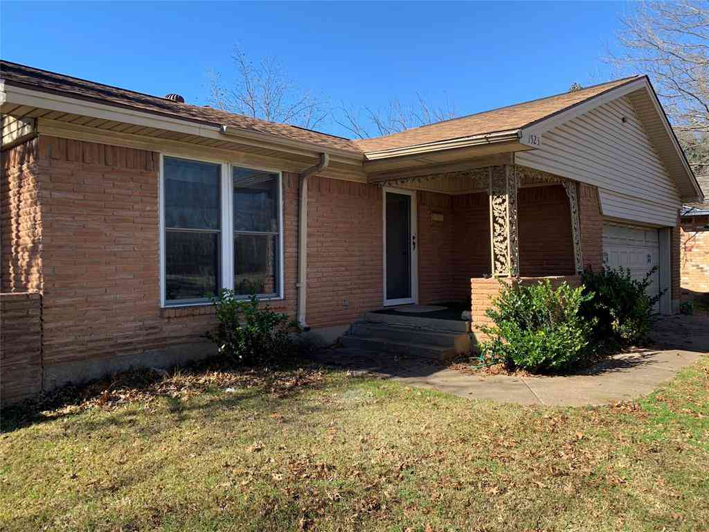 1523 S Main Street, Duncanville, TX, 75137,