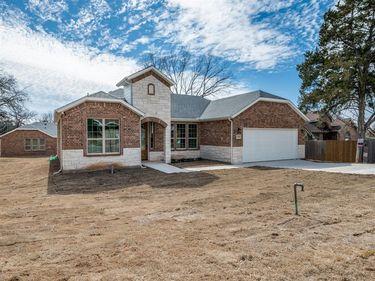 7229 Charbonneau Road, Lake Worth, TX, 76135,