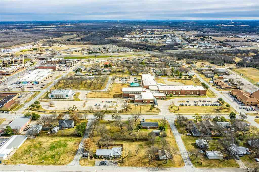 215 S Commerce Street, Burleson, TX, 76028,