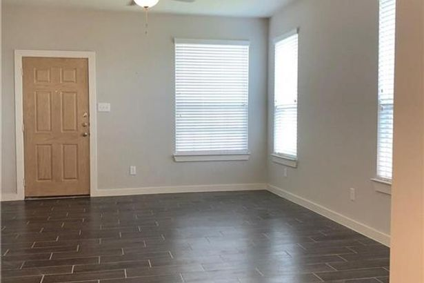 1054/56 W Sierra Vista Court