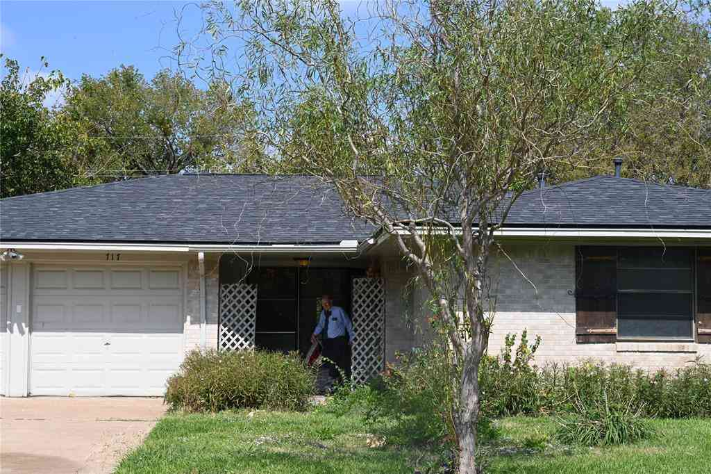 717 Goodyear Street, Irving, TX, 75062,