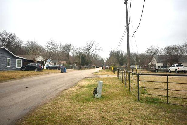 9928 Scyene Road