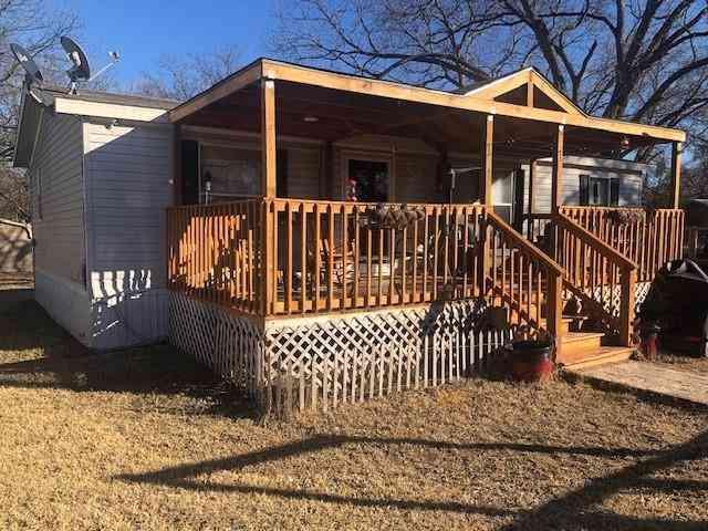 203 N McCracken Street, Chico, TX, 76431,