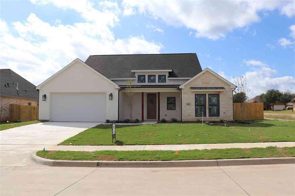 902 Bentwood Lane, Cleburne, TX, 76033,