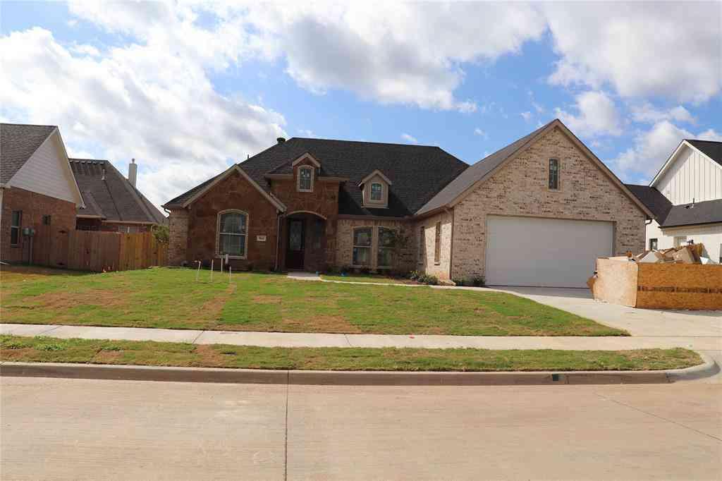 904 Bentwood Lane, Cleburne, TX, 76033,