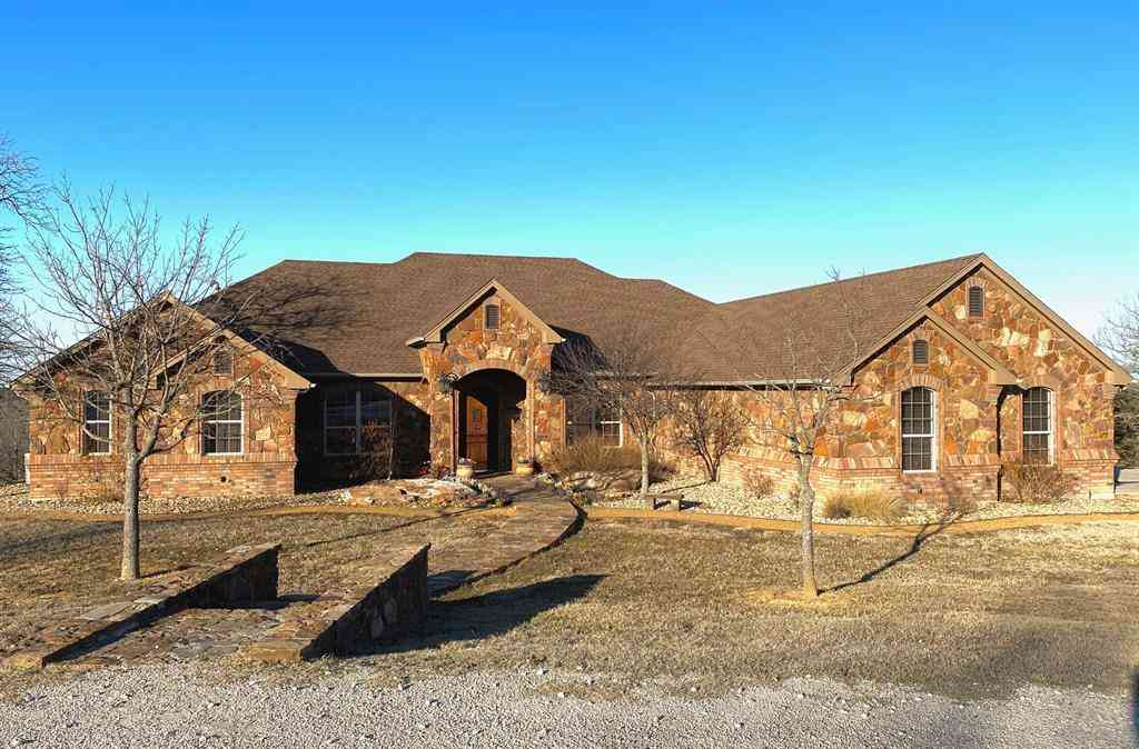 146 Silver Lakes Drive, Sunset, TX, 76270,