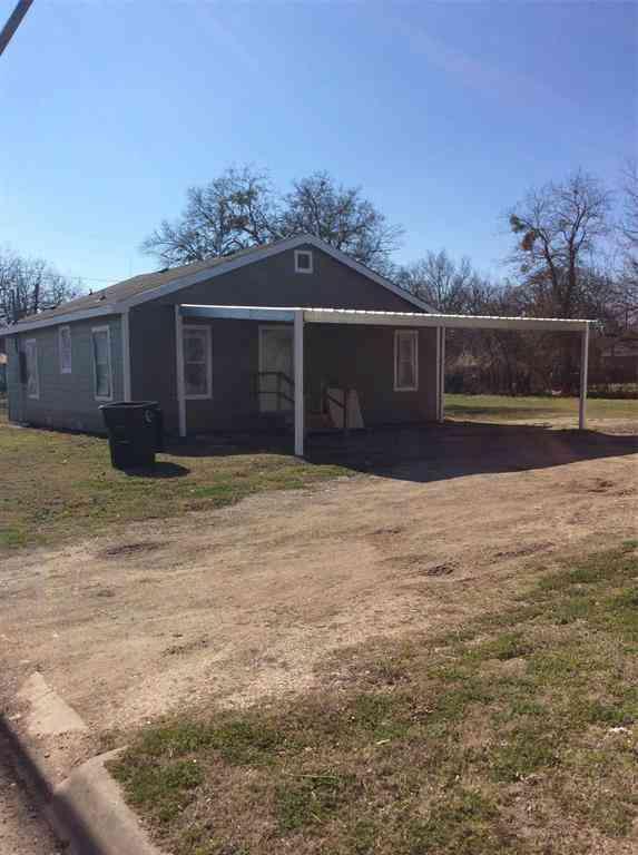 625 E Wardville Street, Cleburne, TX, 76031,