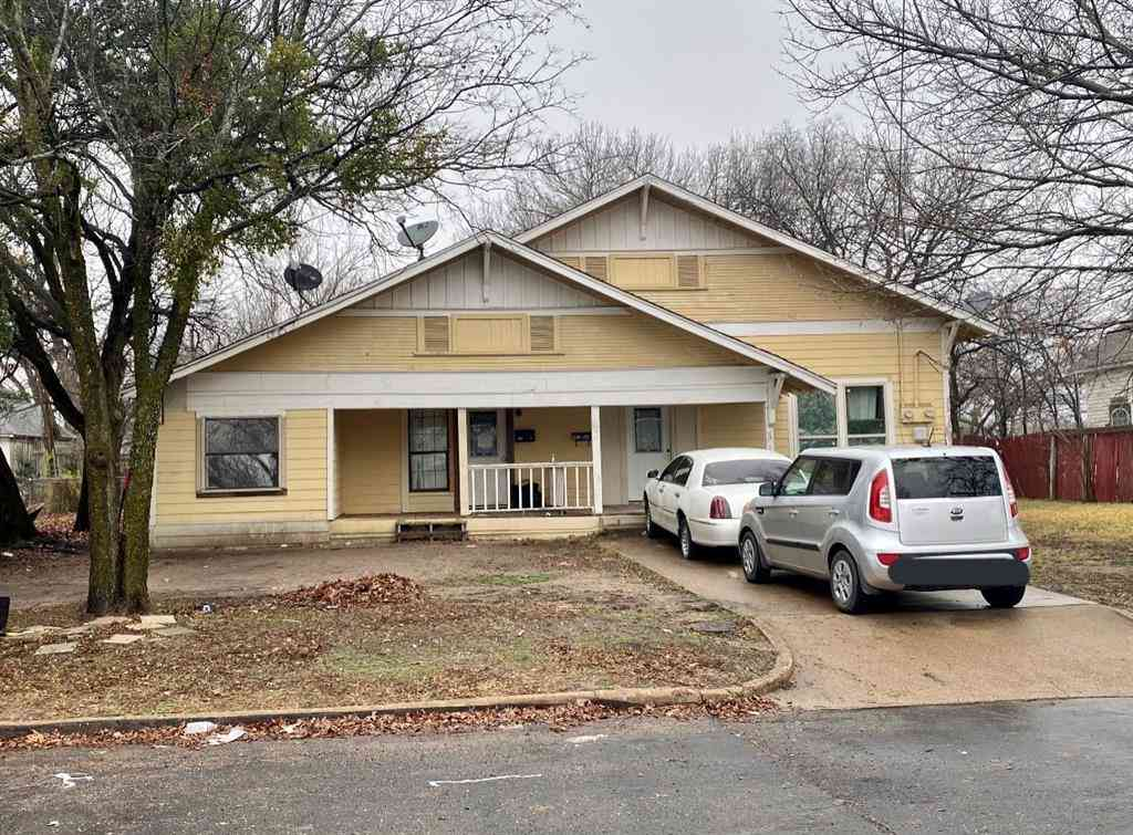 102 W Denton Street, Ennis, TX, 75119,