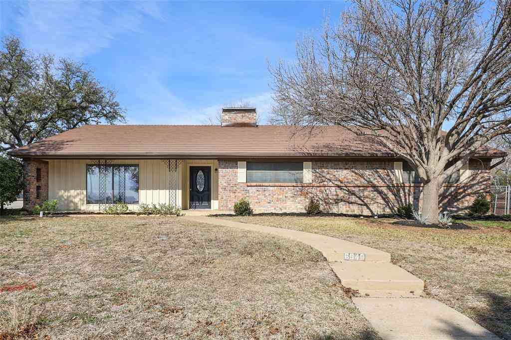 6940 Bal Lake Drive, Fort Worth, TX, 76116,