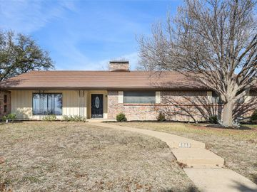 6940 Bal Lake Drive, Fort Worth, TX, 76116,