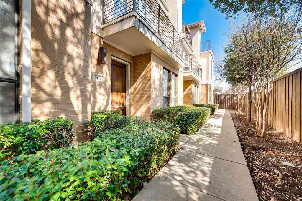 2606 Shelby Avenue #204, Dallas, TX, 75219,