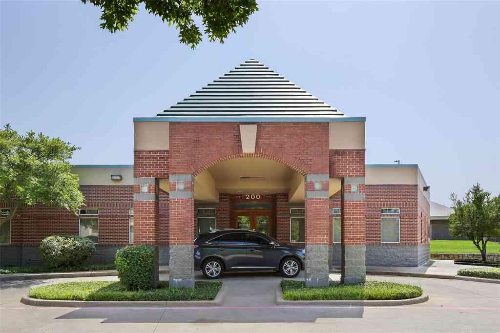 3503 W Wheatland Road, Dallas, TX, 75237,