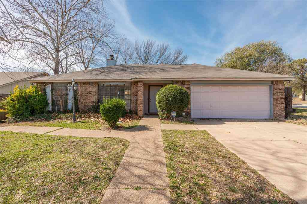100 Grand Meadow Drive, Fort Worth, TX, 76108,