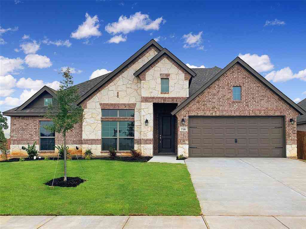 716 Liberty Drive, Joshua, TX, 76058,