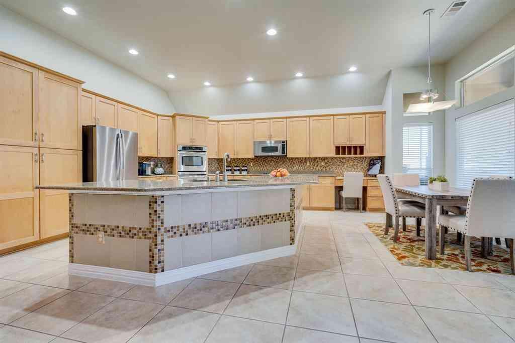 10901 Sandstone Drive, Denton, TX, 76207,