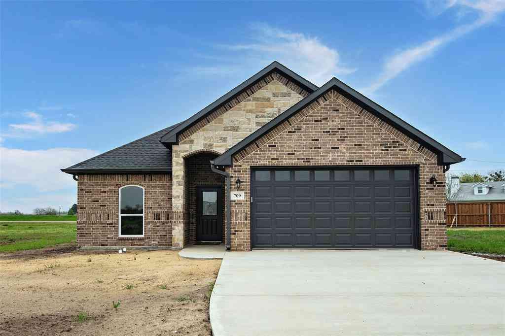 709 Cobblestone Circle, Mabank, TX, 75147,