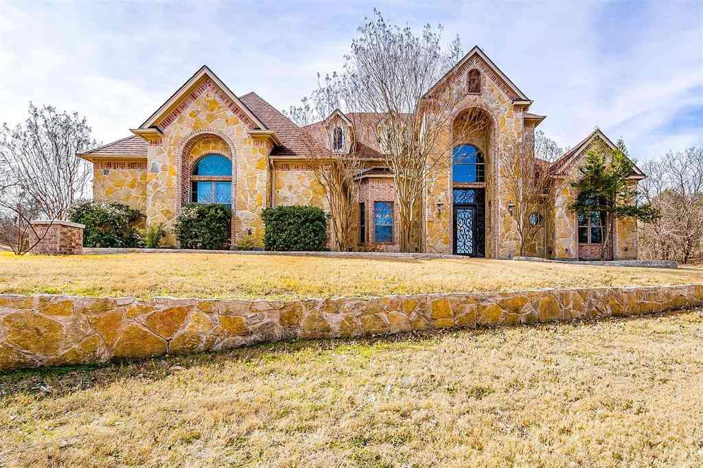 409 Oak Bluff Court, Fort Worth, TX, 76108,