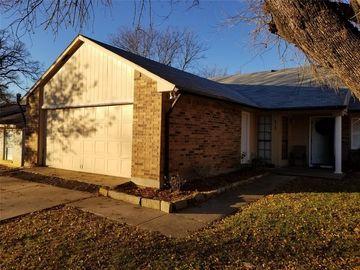 6967 Wildbriar Court W, Fort Worth, TX, 76120,
