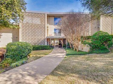 2301 Ridgmar Plaza #18, Fort Worth, TX, 76116,
