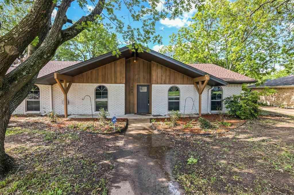 1609 Charlottsville Drive, Ennis, TX, 75119,