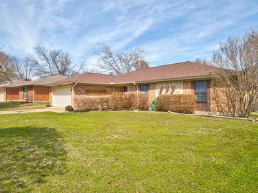 1809 High Ridge Road, Benbrook, TX, 76126,