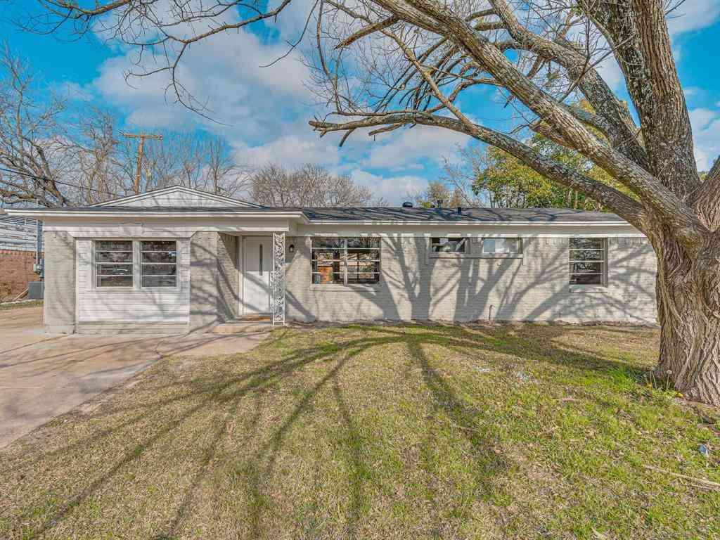 2600 Woodlawn Drive, Ennis, TX, 75119,