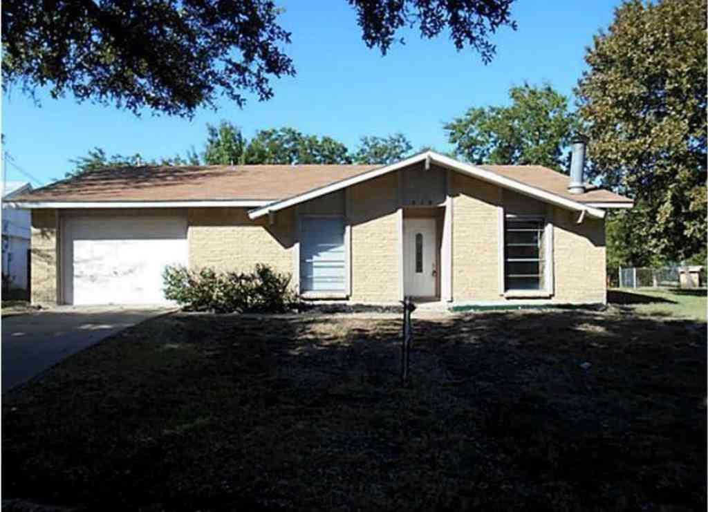 318 Glendale Drive, Grand Prairie, TX, 75052,