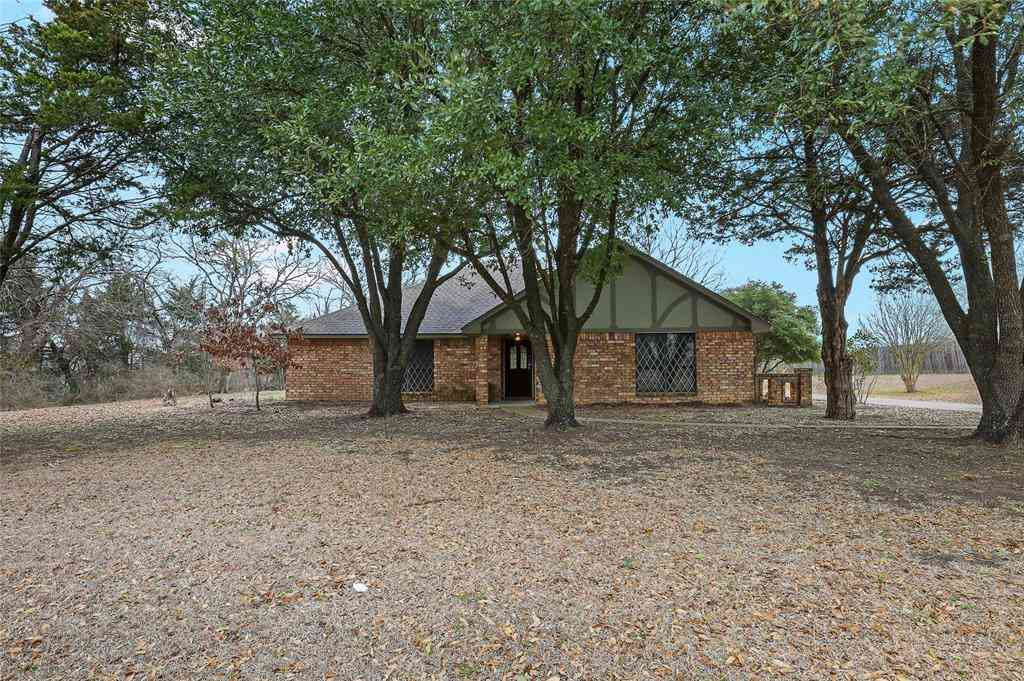 120 Randy Road, Pecan Hill, TX, 75165,
