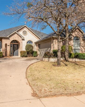 7505 Oak Park Drive North Richland Hills, TX, 76182