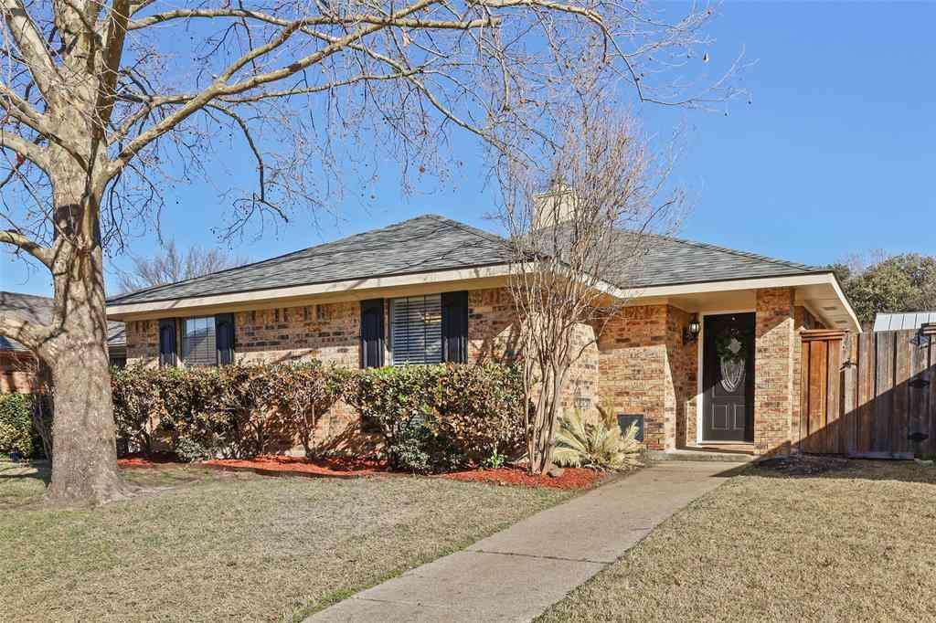 2121 Greenview Drive, Carrollton, TX, 75010,